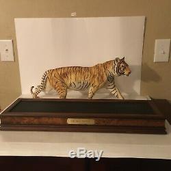 1988 Franklin Mint Bengal Tiger On the Prowl Porcelain with Wooden Base VTG