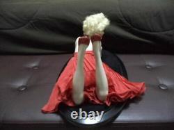 2002 Franklin Mint Forever Marilyn Monroe Porcelain Portrait Dress Doll & Stand