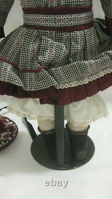 Coca Cola Girl Megan Porcelain Heirloom Doll Limited Edition The Franklin Mint