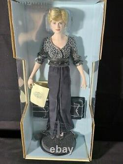 Diana Princess of Wales Franklin Mint Porcelain Portrait Doll NRFB/MINT