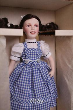Dorothy (Wizard of OZ) Porcelain Franklin Mint Never removed from box