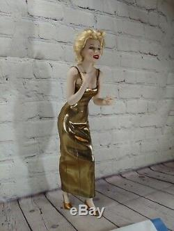 FRANKLIN MINT MARILYN MONROE, Porcelain Doll Always Marilyn with Stand