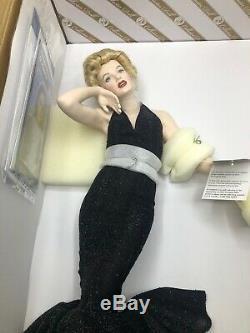 FRANKLIN MINT Marilyn Monroe Porcelain Portrait Doll, Eternally Marilyn B11E726