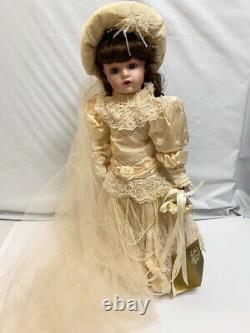 Franklin Heirloom 22 Victorian Porcelain Bride Doll Antique Lace Long Veil Box