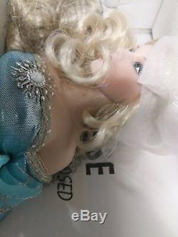 Franklin Heirloom LADY OF THE LAKE Camelot Porcelain Doll Franklin Mint 16