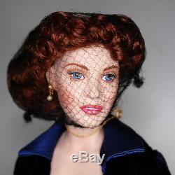 Franklin Heirloom Mint Titanic Rose Porcelain Blue Velvet Flying Dress Stand 17