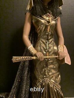 Franklin Mint CLEOPATRA porcelain doll14 karat gold trim