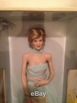 Franklin Mint DIANA PRINCESS OF ELEGANCE Porcelain Doll Mint with COA