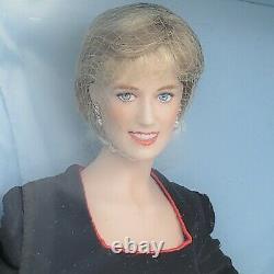 Franklin Mint Diana Princess Of Wales Princess Of Charm Porcelain Portrait Doll