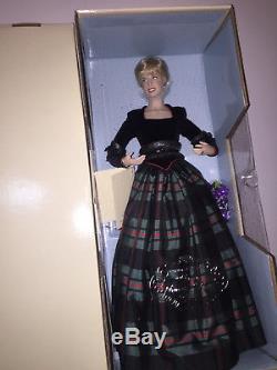 Franklin Mint Diana Princess of Charm Porcelain Portrait Doll NIB Scotland Plaid