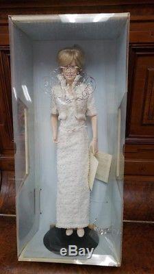 Franklin Mint Diana Princess of Wales Porcelain Portrait Doll