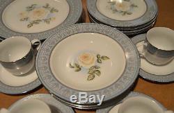 Franklin Mint Diana Princess of Wales Roses 20 Pc Porcelain China Dinnerware Set