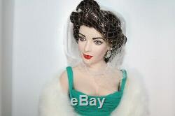 Franklin Mint Elizabeth Taylor Porcelain Doll in Green Dress NEW w SHIPPER COA