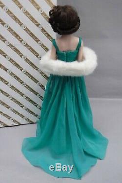 Franklin Mint Elizabeth Taylor Porcelain Portrait Doll Green Gown
