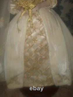 Franklin Mint Faberge Doll Aleksandra Winter Bride Porcelain Stand Beautiful