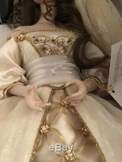 Franklin Mint Heirloom Aleksandra Winter Bride Porcelain Doll 18 With COA