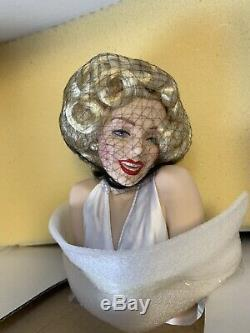 Franklin Mint Heirloom Marilyn Monroe 7 Year Itch Porcelain Doll New Boxed