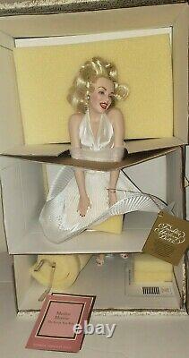 Franklin Mint Heirloom NIB 17 Porcelain Doll, Marilyn Monroe Seven Year Itch