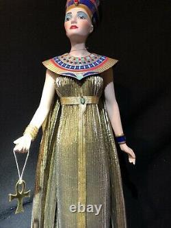 Franklin Mint Heirloom Retired Egyptian Queen Nefertiti 24 Tall Porcelain Doll