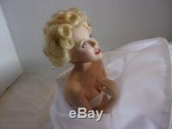 Franklin Mint Marilyn Monroe Porcelain Doll / Bench /shoes