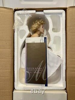 Franklin Mint Marilyn Monroe Porcelain Doll/Seat (New in BOX)