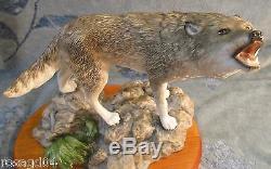 Franklin Mint Porcelain Sculpture 11½ Large Gray Wolf Figurine On Wood Base A5