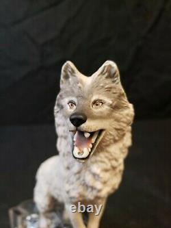 Franklin Mint Porcelain Wolf Sculpture On Crystal Base 1988 Cry Of The North