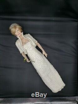 Franklin Mint Princess Diana 17 Porcelain Doll Off White Pearls Dress Portrait