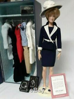 Franklin Mint Princess Diana Porcelain Doll with Outfits/Accessories/Blue Trunk