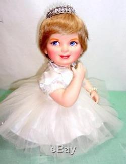 Franklin Mint Princess Diana Precious in Pearls Porcelain Baby Doll +Accessories