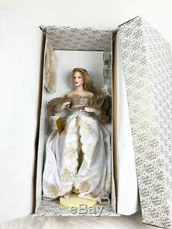 Franklin Mint Queen Guinevere Camelot Series Porcelain Doll with Stand New in Box