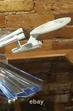 Franklin Mint Star Trek Enterprise 1701Porcelain Ceramic & Crystal Base Rare