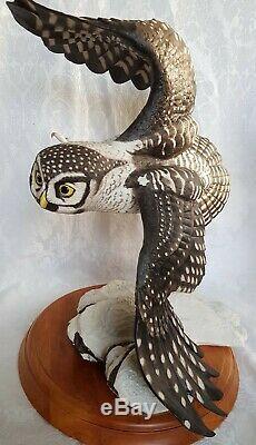 Franklin Mint The Hawk Owl Porcelain 14 Figurine By George McMonigle