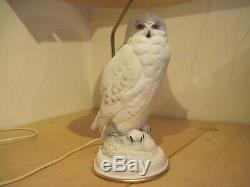 Franklin Mint The Snowy Owl porcelain table lamp with shade by Raymond Watson