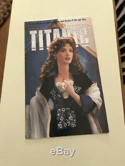 Franklin Mint Titanic Rose Flying Scene 18 Porcelain Doll Blue Velvet Dress