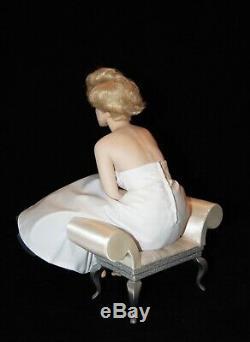 LOVE MARILYN' Franklin mint porcelain figurine of Marilyn Monroe