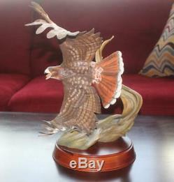 Large Stunning Franklin Mint 14H Red Tailed Hawk Porcelain Sculpture