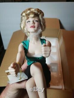 MARILYN MONROE Franklin Mint 13.5 Porcelain Doll UNFORGETTABLE MARILYN