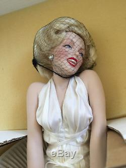 MARILYN MONROE'The Seven-Year Itch' 17 Porcelain Doll by Franklin Mint NEW NIB