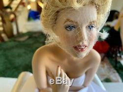 Marilyn Monroe Franklin Mint Love Marilyn Porcelain Portrait Doll & Satin Seat