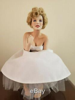 Marilyn Monroe Franklin Mint Porcelain Portrait Love Marilyn Doll withBench