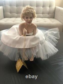 Marilyn Monroe Porcelain Portrait Doll with Satin Bench Love Marilyn Franklin Mint