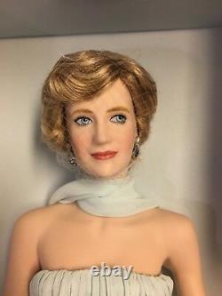 NRFB Diana, The Princess Of Elegance Porcelain Portrait Doll The Franklin Mint