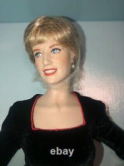 New Franklin Mint Diana Princess Wales Porcelain Portrait Doll 17 Black Plaid