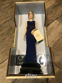 New Franklin Mint Diana Princess of Wales Porcelain Portrait Doll Blue Dress 17