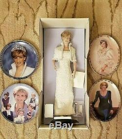 Princess Diana Porcelain Doll -White Gown Franklin Mint with 4 collector plates