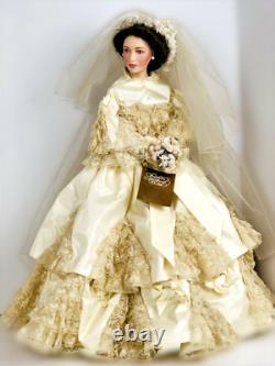 Queen Victoria Albert Museum Porcelain Bride Doll 24in Franklin Mint Heirloom