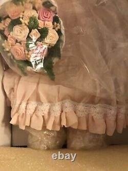 RARE Franklin Heirloom porcelain doll Dainty Bess Doll Of The Year 1998 Mint