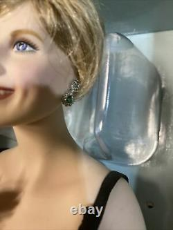 RARE Franklin Mint Porcelain Princess Diana in Black Dress Sophistication 17