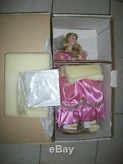 Rare Franklin Mint Heirloom Cinderella Porcelain Doll Rare
